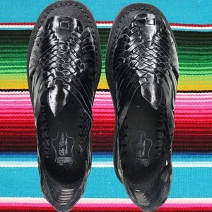 WOMENS LEATHER HUARACHE MEXICAN BLACK SANDALS